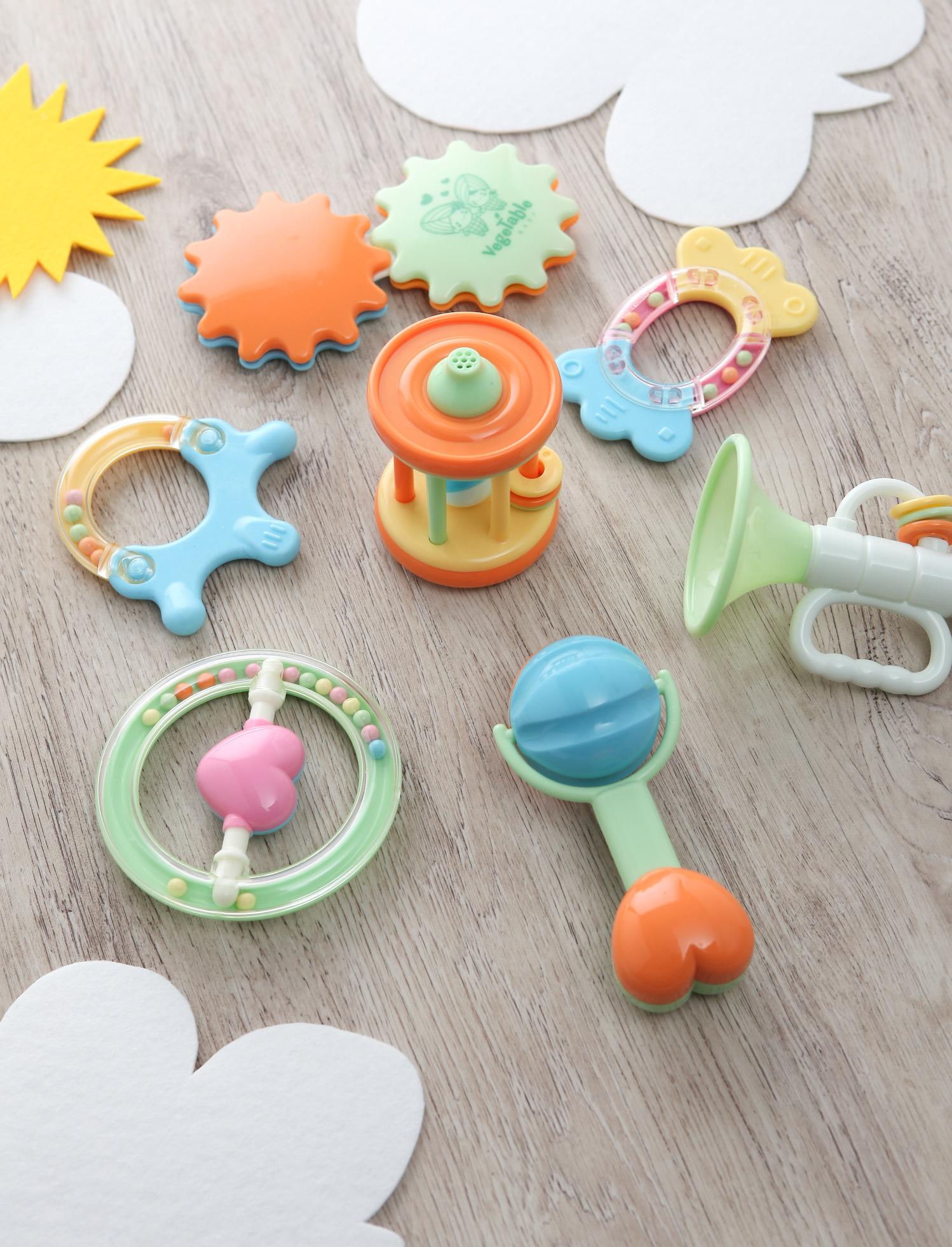 유아용품(딸랑이, 이유식기, 이유식조리기구), 세제류 제품사진